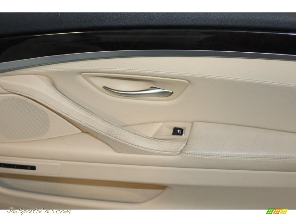 2013 5 Series 535i xDrive Sedan - Alpine White / Venetian Beige photo #39