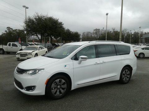 Bright White 2018 Chrysler Pacifica Hybrid Limited