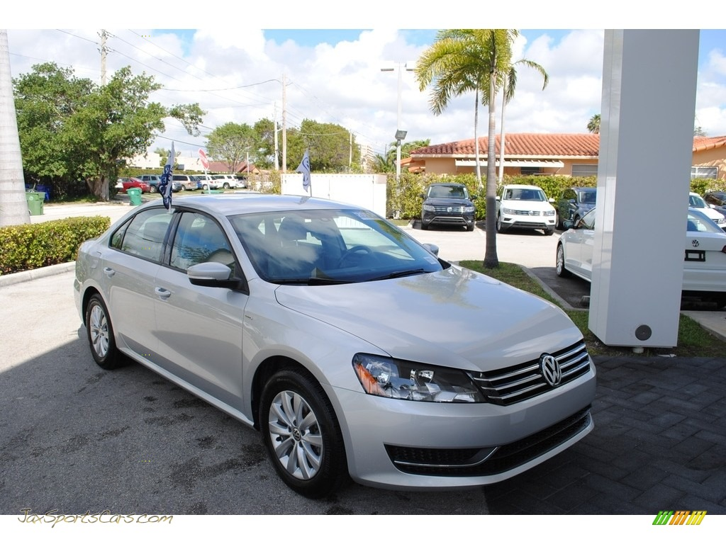 2015 Passat Wolfsburg Edition Sedan - Reflex Silver Metallic / Moonrock Gray photo #1