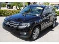 Volkswagen Tiguan SE 4Motion Deep Black Metallic photo #4