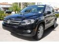 Volkswagen Tiguan SE 4Motion Deep Black Metallic photo #5