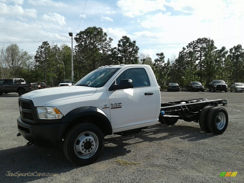 2018 4500 Tradesman Regular Cab 4x4 Chassis - Bright White / Black/Diesel Gray photo #1