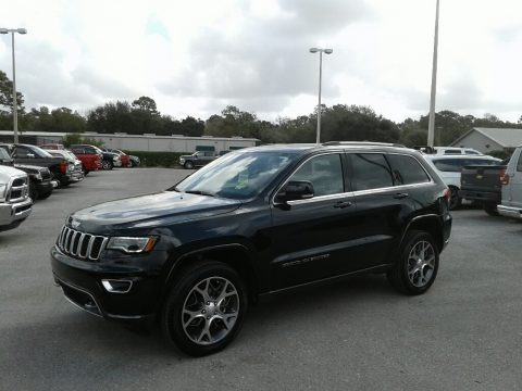 Diamond Black Crystal Pearl 2018 Jeep Grand Cherokee Sterling Edition