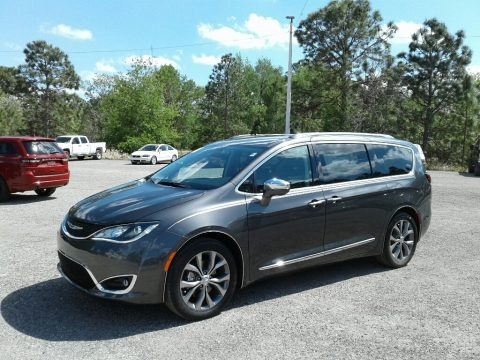 Granite Crystal Metallic 2018 Chrysler Pacifica Limited