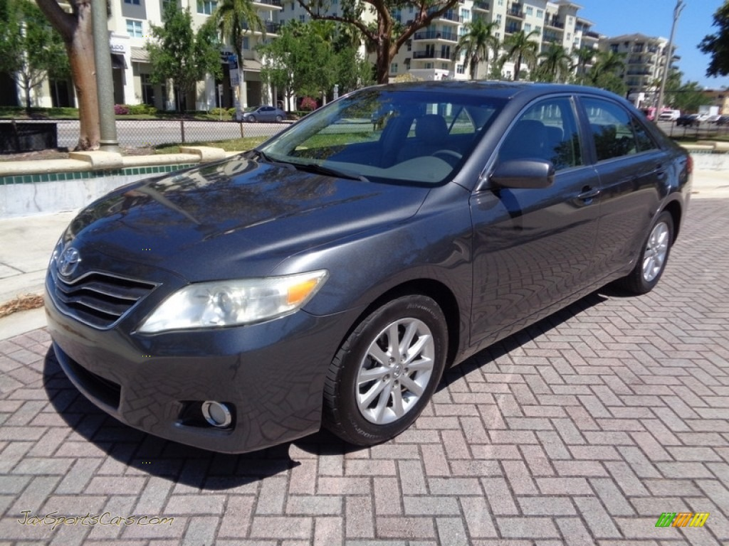 2011 Camry XLE V6 - Magnetic Gray Metallic / Ash photo #1