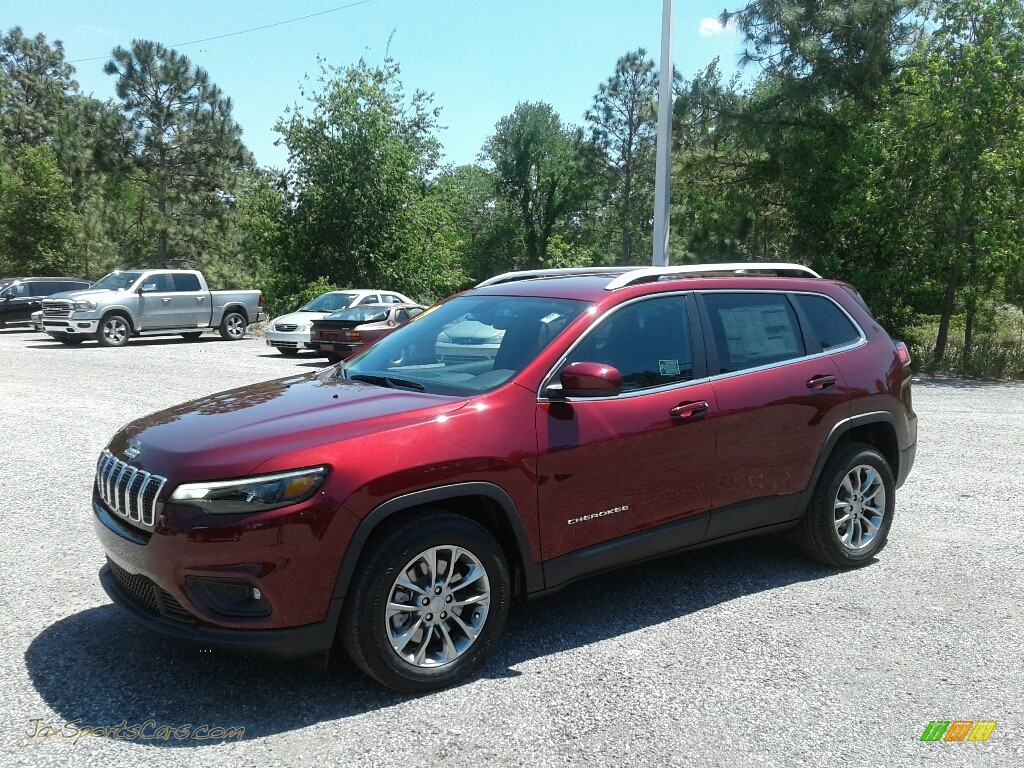 Velvet Red Pearl / Black Jeep Cherokee Latitude Plus