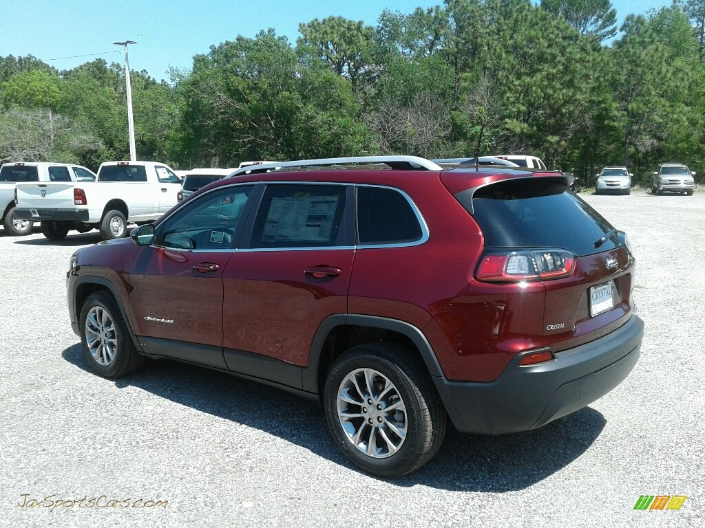 2019 Cherokee Latitude Plus - Velvet Red Pearl / Black photo #3