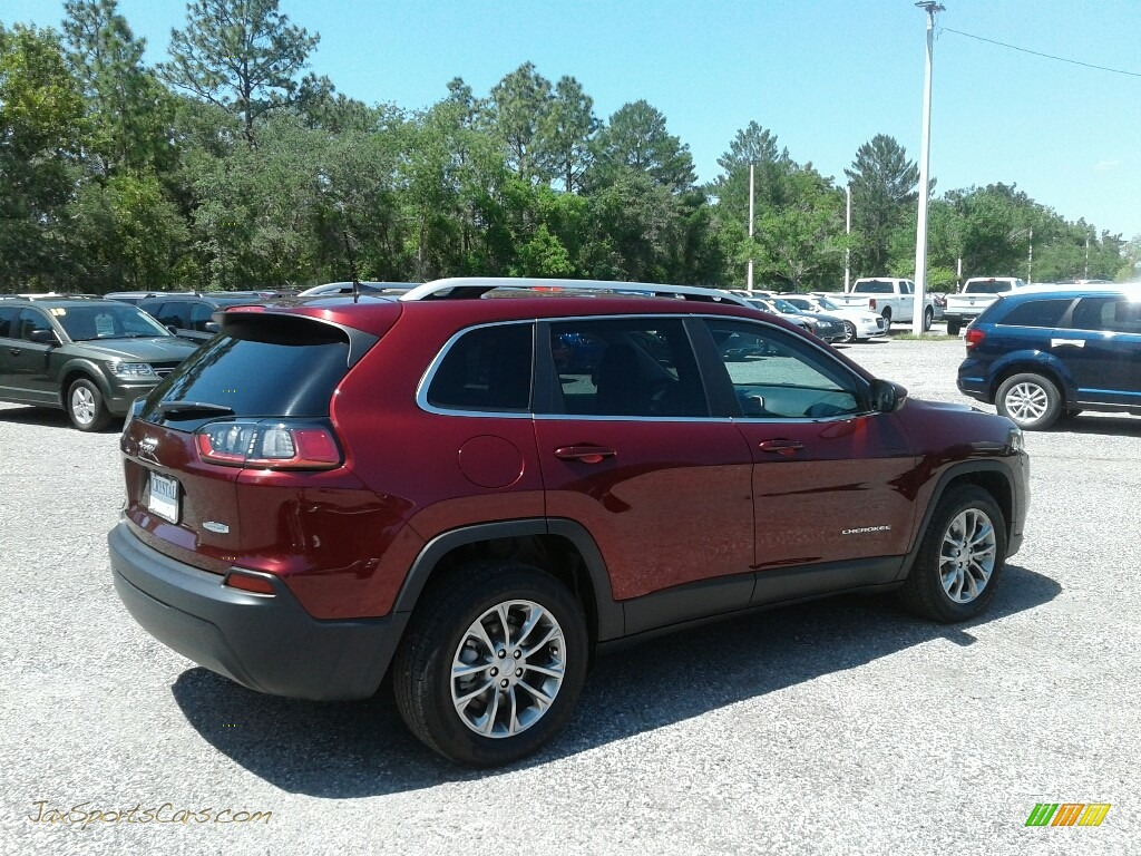 2019 Cherokee Latitude Plus - Velvet Red Pearl / Black photo #5