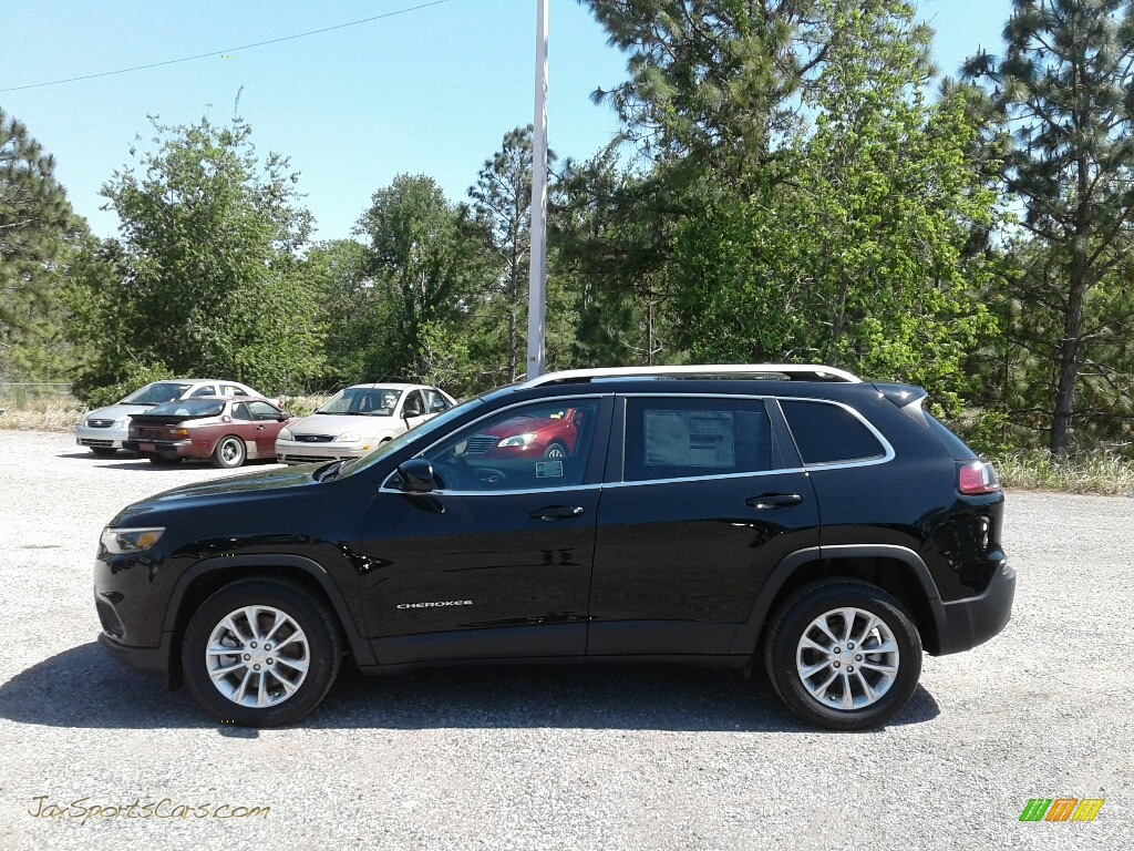 2019 Cherokee Latitude - Diamond Black Crystal Pearl / Black photo #2