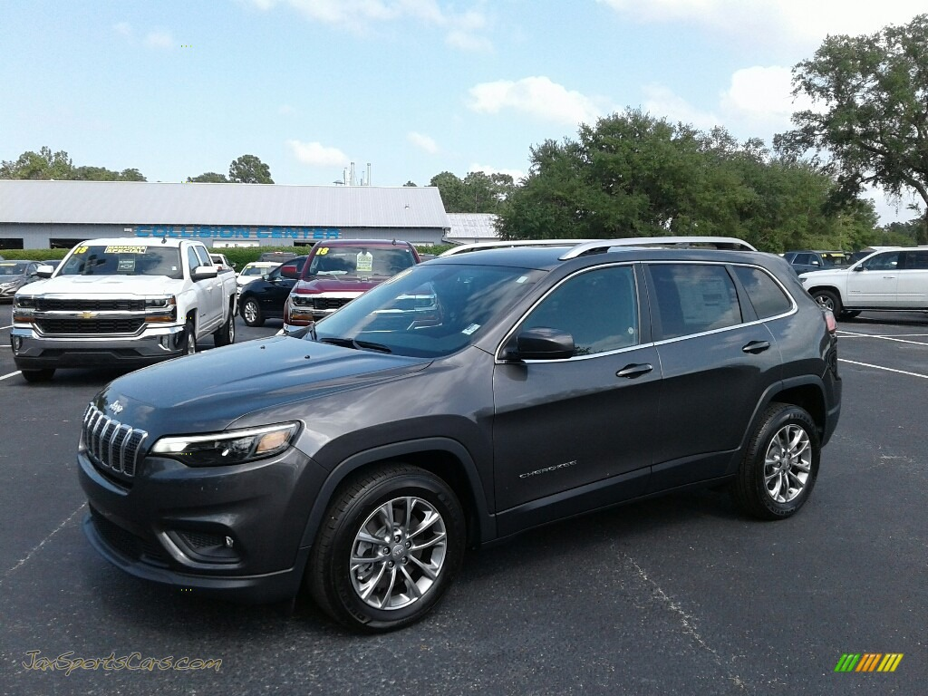 2019 Cherokee Latitude Plus - Granite Crystal Metallic / Black photo #1