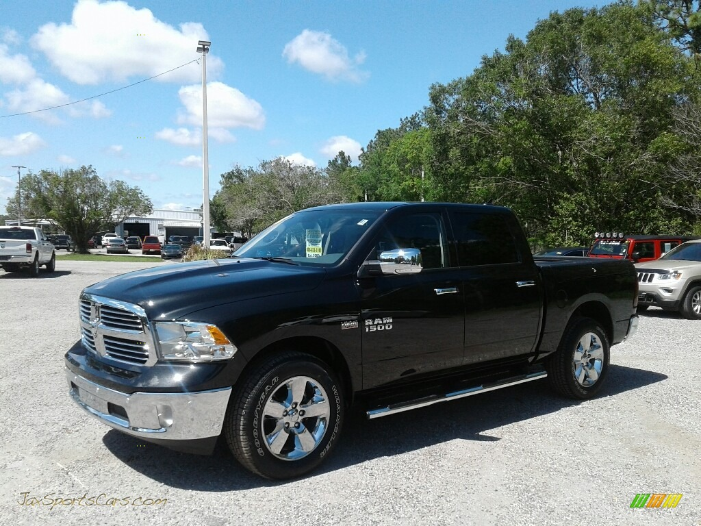 2018 1500 Big Horn Crew Cab - Brilliant Black Crystal Pearl / Black/Diesel Gray photo #1