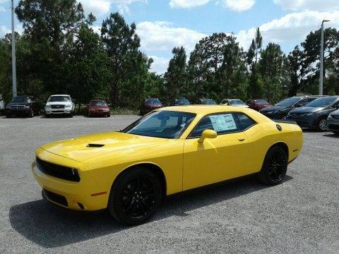 Yellow Jacket 2018 Dodge Challenger SXT