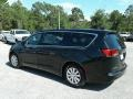Chrysler Pacifica L Brilliant Black Crystal Pearl photo #3