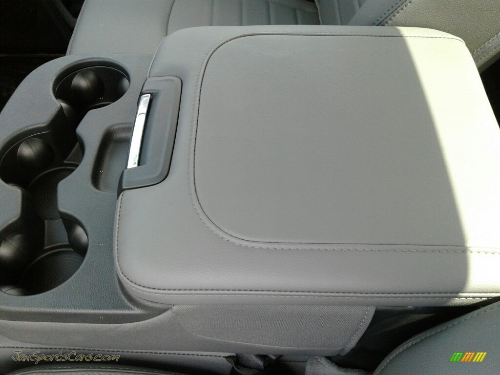 2018 2500 Tradesman Regular Cab 4x4 - Bright White / Black/Diesel Gray photo #18