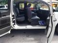 Nissan Titan XE King Cab White photo #19