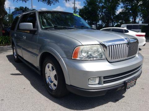 Satellite Silver Metallic 2006 Lincoln Navigator Luxury