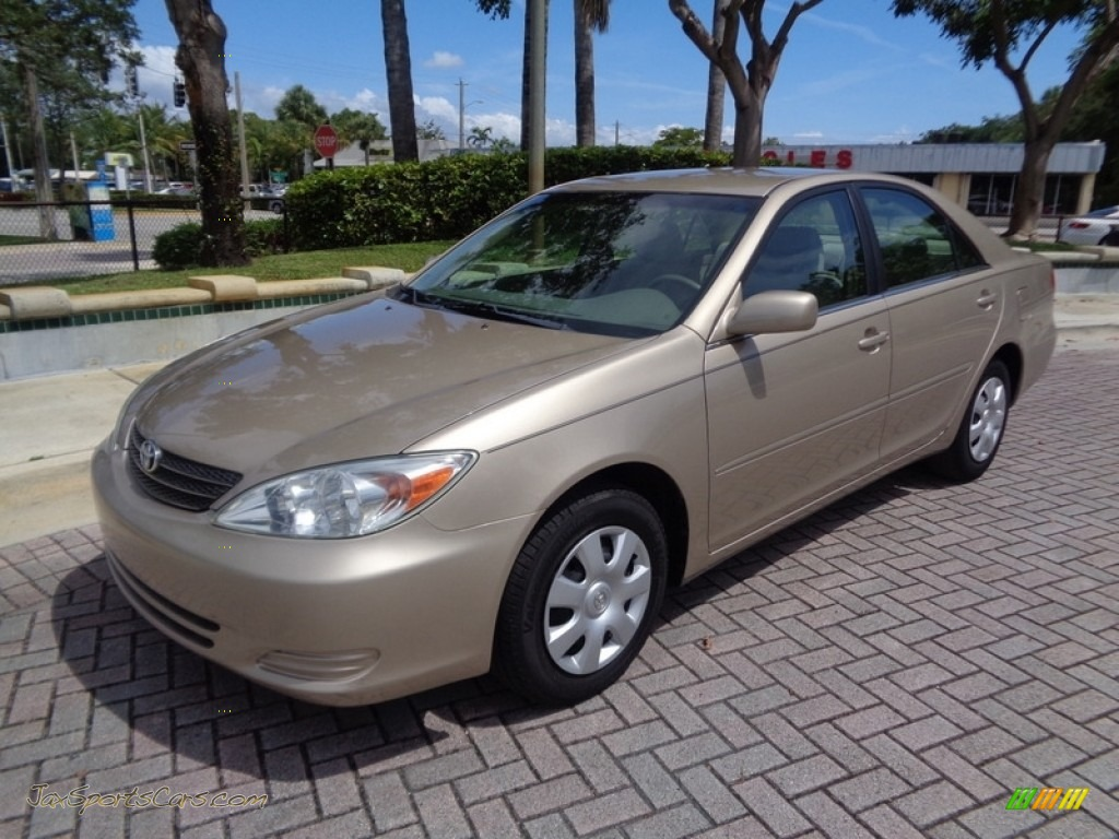 2003 Camry LE - Desert Sand Mica / Taupe photo #1