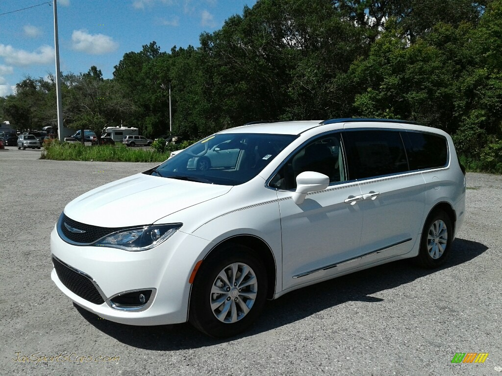 Bright White / Black/Alloy Chrysler Pacifica Touring L