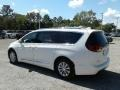 Chrysler Pacifica Touring L Bright White photo #3