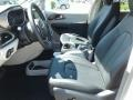 Chrysler Pacifica Touring L Bright White photo #9