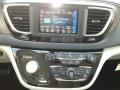 Chrysler Pacifica Touring L Bright White photo #15