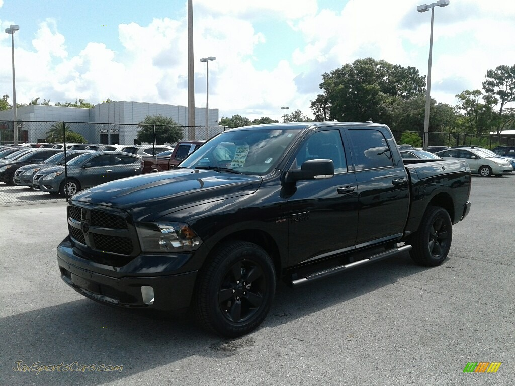 2018 1500 Big Horn Crew Cab 4x4 - Brilliant Black Crystal Pearl / Black/Diesel Gray photo #1