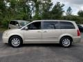 Chrysler Town & Country Touring Cashmere/Sandstone Pearl photo #2