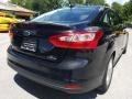 Ford Focus SE Sedan Tuxedo Black photo #3