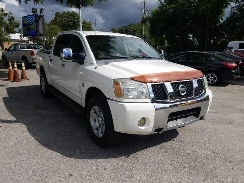 White 2004 Nissan Titan LE Crew Cab 4x4