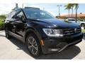 Volkswagen Tiguan SEL Deep Black Pearl photo #2