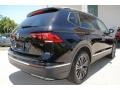 Volkswagen Tiguan SEL Deep Black Pearl photo #10