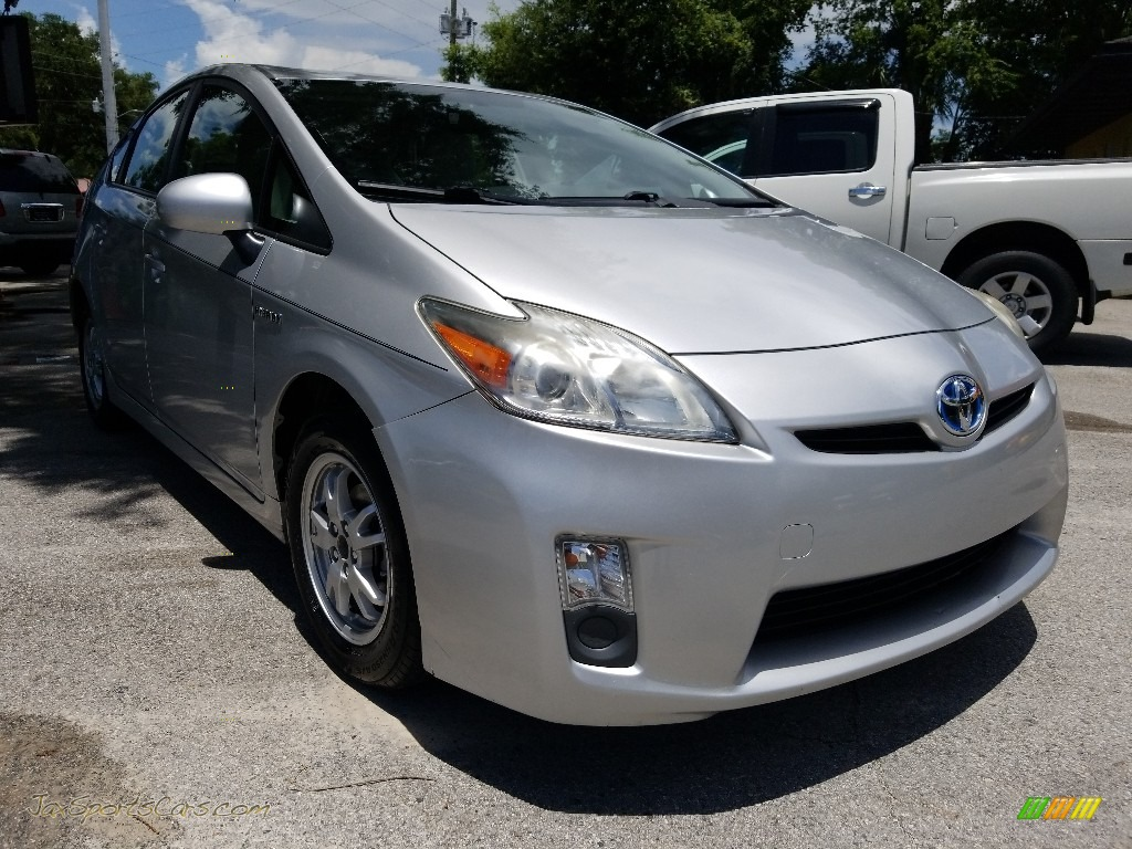 2010 Prius Hybrid III - Classic Silver Metallic / Dark Gray photo #1