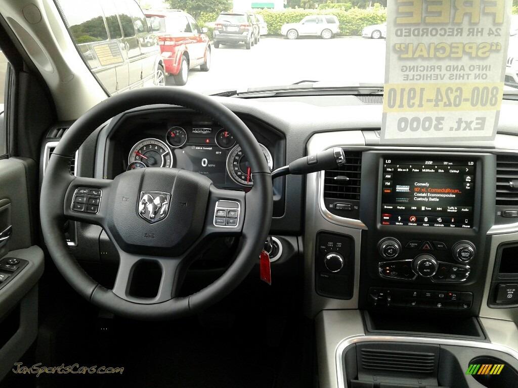 2018 2500 Big Horn Mega Cab 4x4 - Bright White / Black/Diesel Gray photo #13