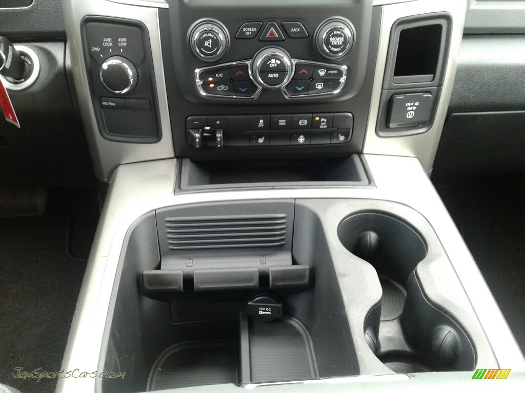 2018 2500 Big Horn Mega Cab 4x4 - Bright White / Black/Diesel Gray photo #16