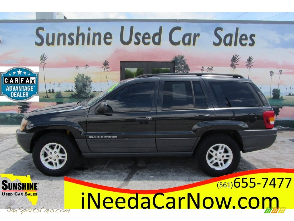 Brilliant Black / Dark Slate Gray Jeep Grand Cherokee Laredo