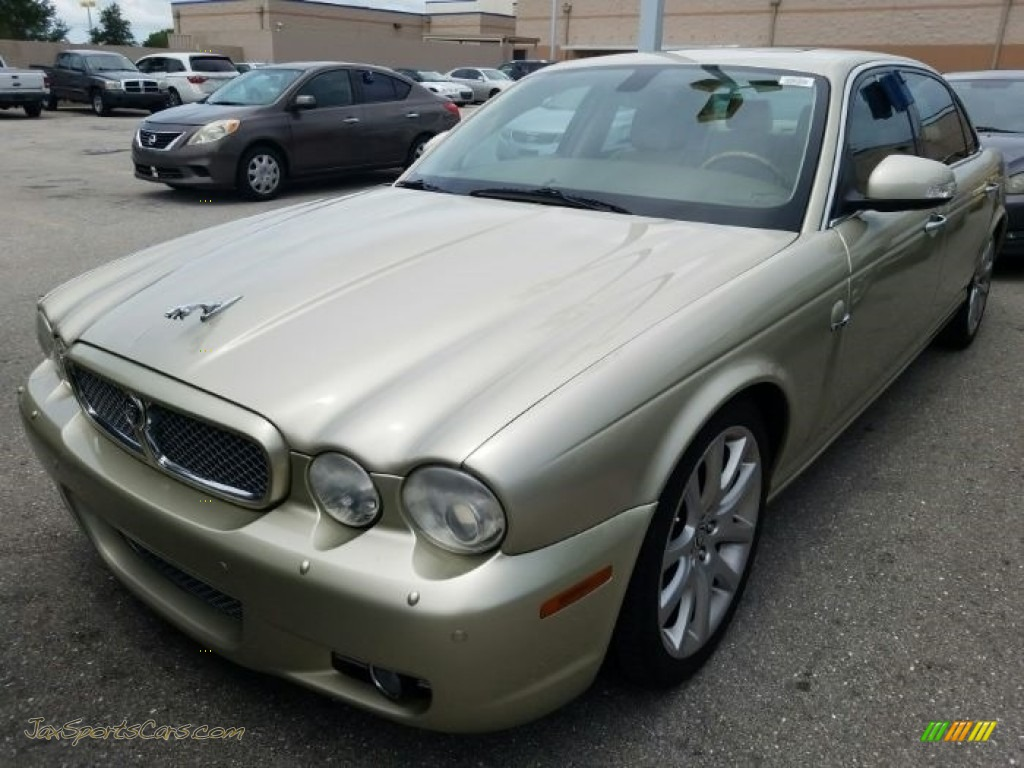 2008 XJ XJ8 L - Winter Gold Metallic / Champagne/Mocha photo #1
