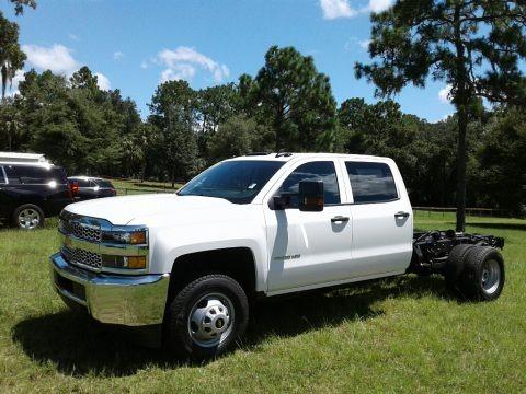 Summit White 2019 Chevrolet Silverado 3500HD Work Truck Crew Cab 4x4 Chassis