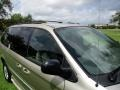Chrysler Town & Country LXi Light Almond Pearl photo #24