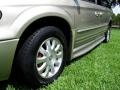 Chrysler Town & Country LXi Light Almond Pearl photo #34