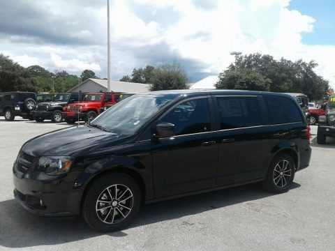 Black Onyx Crystal Pearl 2019 Dodge Grand Caravan SE Plus