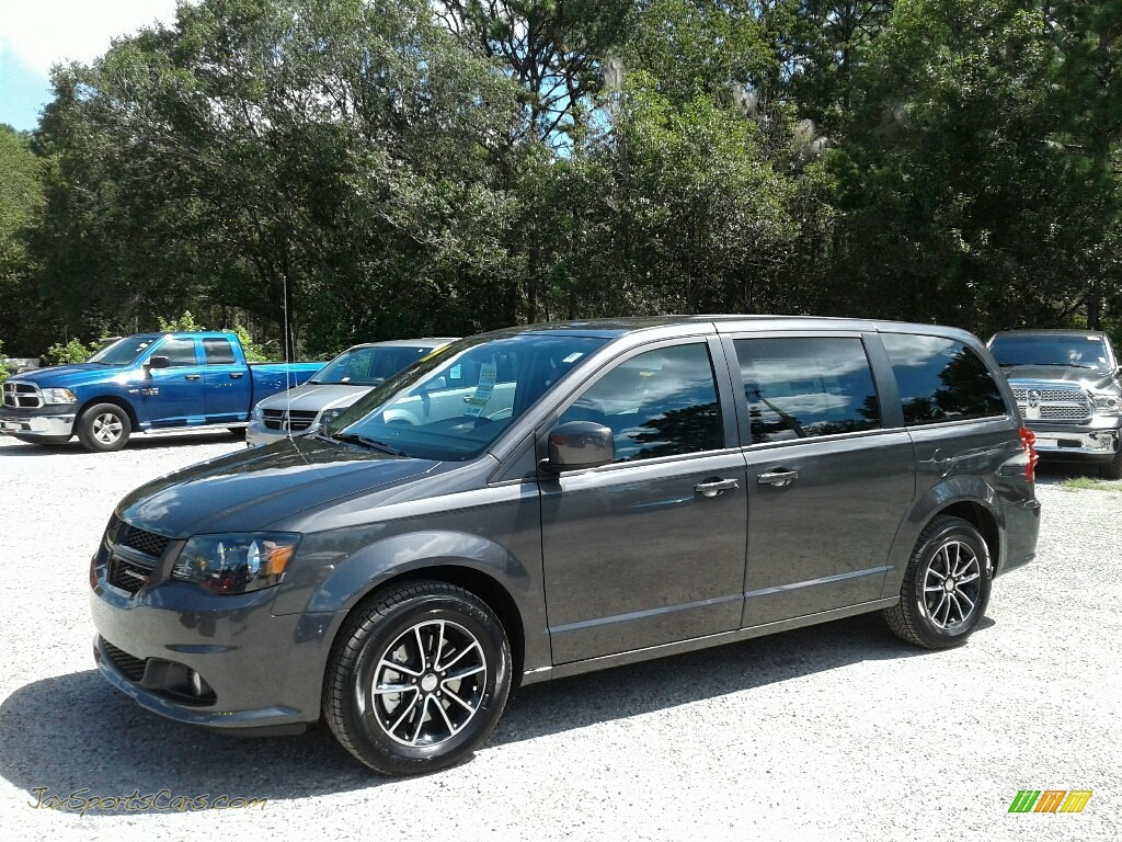 2019 Grand Caravan SXT - Granite Pearl / Black photo #1