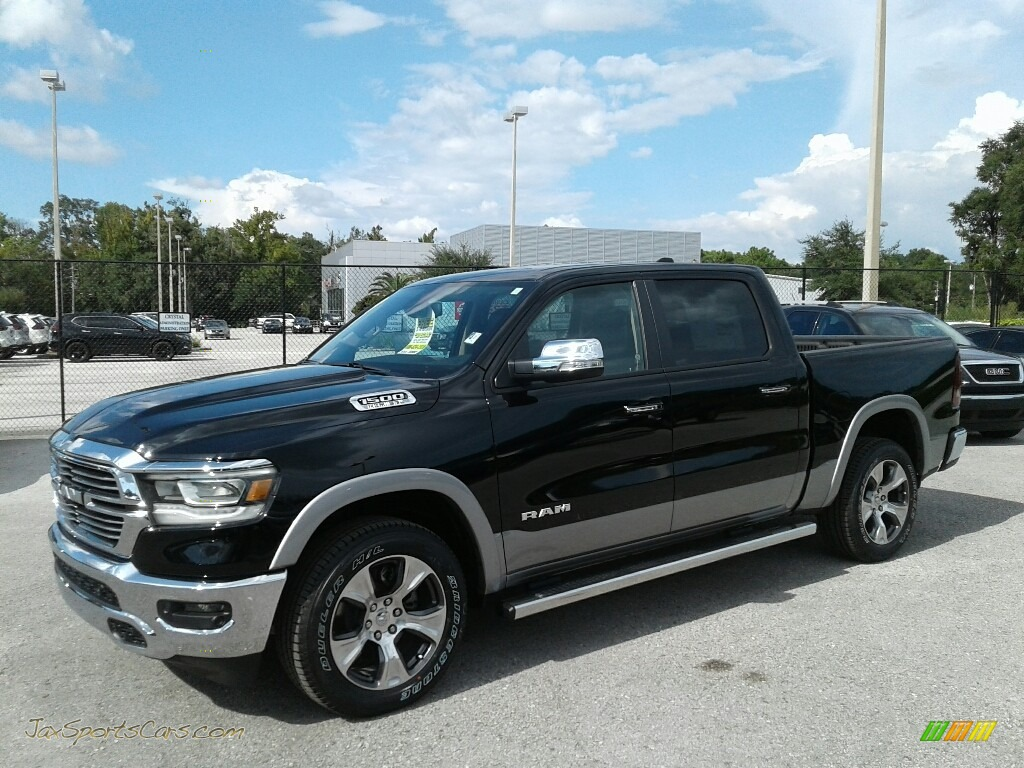 2019 1500 Laramie Crew Cab - Diamond Black Crystal Pearl / Black photo #1