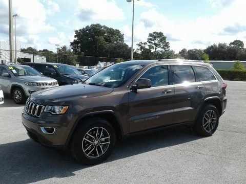 Walnut Brown Metallic 2018 Jeep Grand Cherokee Laredo