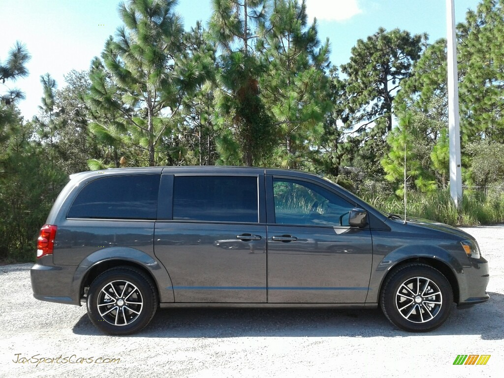 2019 Grand Caravan SXT - Granite Pearl / Black photo #6