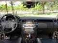 Land Rover LR4 HSE Lux Santorini Black photo #34