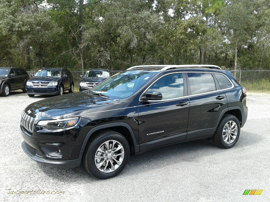 Diamond Black Crystal Pearl / Black Jeep Cherokee Latitude Plus