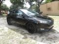 Ford Focus SE Hatch Shadow Black photo #2