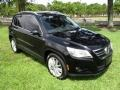 Volkswagen Tiguan Wolfsburg Edition Deep Black Metallic photo #13