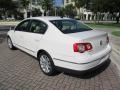 Volkswagen Passat Komfort Sedan Candy White photo #5