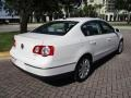 Volkswagen Passat Komfort Sedan Candy White photo #9
